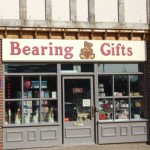 Fascia_sign_bearing_gifts